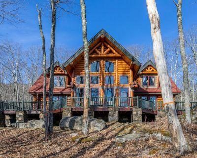 Big Elk Lodge - Luxury home in Eagles Nest, walk to Great Camp, dog friendly - Banner Elk