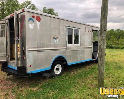 Chevrolet P30 22' Stepvan Ice Cream / Empty Food Truck