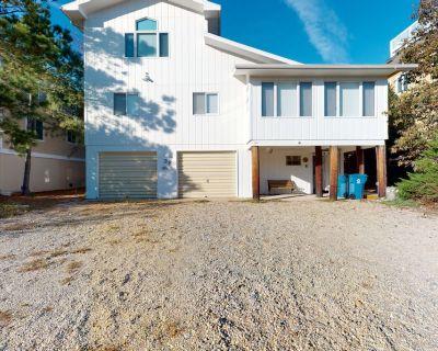 Sea Del Estates home w/ outdoor shower, grill & community private beach/tennis - Bethany Beach