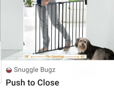 Brand New Adjustable Gate For Babies Or Pets