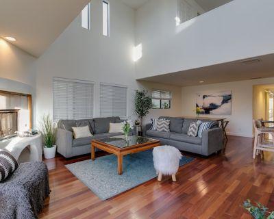Bright Spacious 4 Bedroom Penthouse Steps To Beach - Marina Peninsula