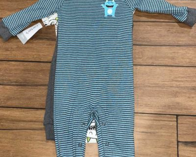 9 month Carter s baby boy outfit - onsie, pants, sleeper new! (AAS)
