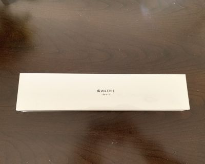 BRAND NEW iWatch 3 Series, 42mm Silver Band