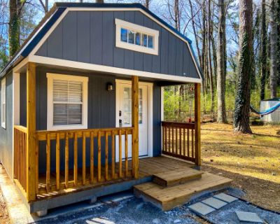 ATL Tiny Guest Home with Forest-Feel, ATLANTA, GA