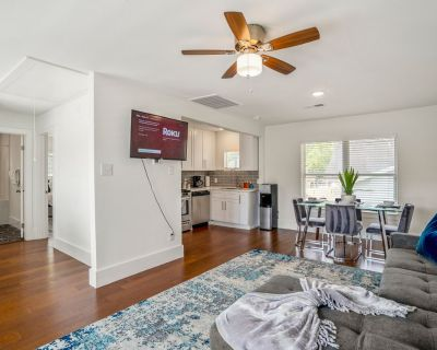 Universal Apartment at East Downtown - Greater East End