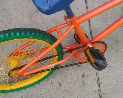 Kids Bike - ( ages 8-12) 20 inch tires Unisex - Rainbow Bicycle