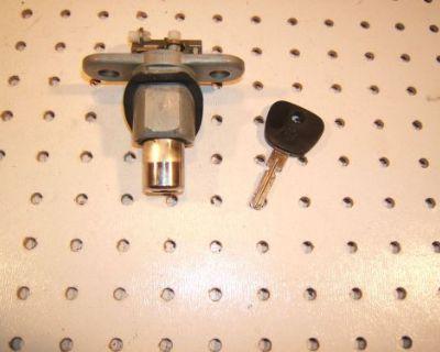 Bmw 1995 325is Coupe Rear Trunk Lid 1 Lock & Working Bmw 1 Key , 512 196 0245