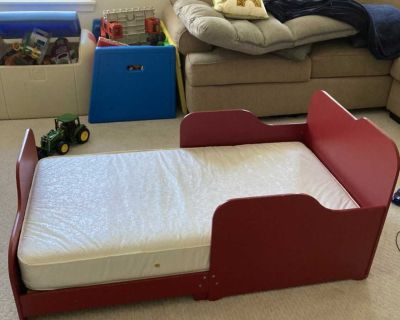 Toddler bed and mattress (FREE)