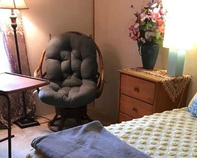 Private room with shared bathroom - Virginia Beach , VA 23454