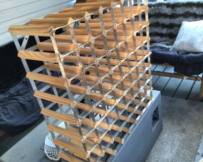 72 bottle wine rack in excellent condition