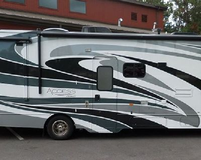 http://www.utraderv.com/UT26255AD_immaculate-condition-2014-31-ft-winnebago-access-premier-31wp-w2-s