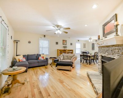 Tree-Lined Home w/ WiFi, Gas Fireplace, AC & Decks - Close to Town, Orchards! - Dahlonega