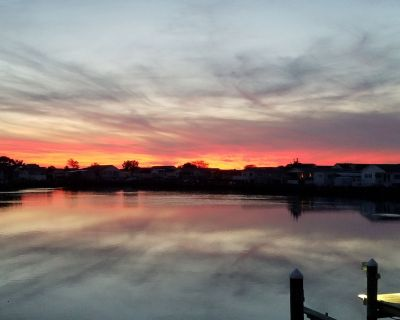 Beautiful Sunsets Right On The Water In Ocean City, MD - Montego Bay