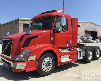 2015 Volvo VN VNL 6x4 T/A Day Cab Truck Tractor