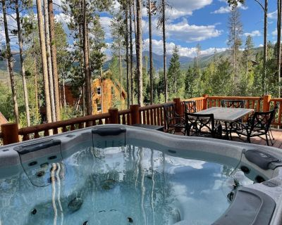 Amazing Cabin Just Above Downtown Winter Park. Private Hot Tub! - Winter Park