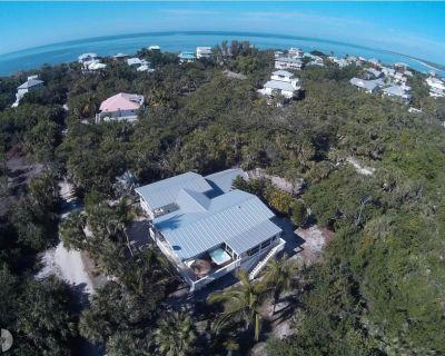 Old Florida Cottage, 600 ft to beach, Fenced yard, pets, Peleton, BigGreen Egg - Jose's Hideaway