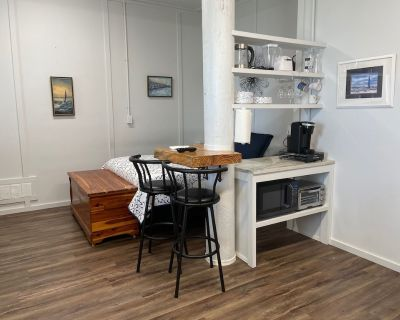 Charming studio on Mobile bay with pier - Fairhope