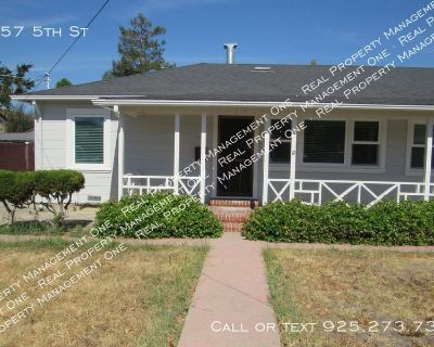 Remodeled 2 Bed, 1 Bath Duplex Walkable to Concord BART