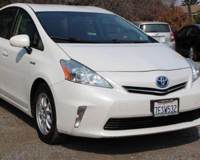 2014 Toyota Prius v Two