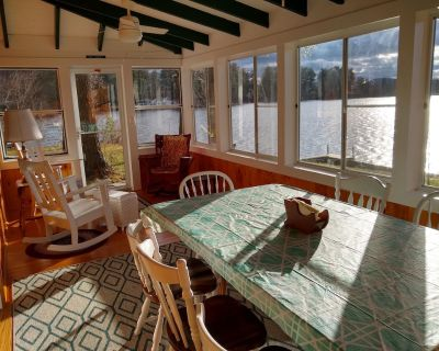 Cozy Waterfront Cottage Only Minutes from Downtown Keene, NH! - Keene