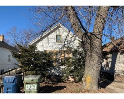 2 Bed 1 Bath Preforeclosure Property in Milwaukee, WI 53204 - S Muskego Ave
