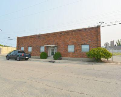 Warehouse and Showroom near downtown Dayton
