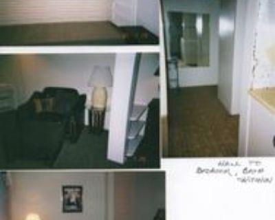 1617 Leavenworth St #BS, Manhattan, KS 66502 1 Bedroom Apartment