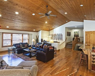 5 Bedroom TownHome - Private Hot tub - Ideal for multiple families -3 car garage - North Park City