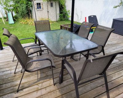 Patio Set (table and 6chairs)