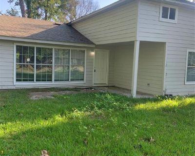 7921 Oak Knoll Lane, Houston, TX 77028