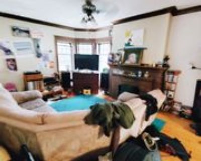 2561 N Prospect Ave #2563, Milwaukee, WI 53211 4 Bedroom Apartment