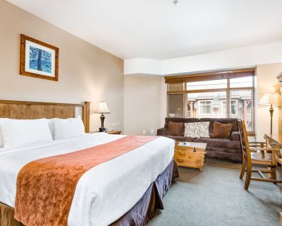 Ski-in/out Room W/high-speed Wifi, 2 Shared Hot Tubs, Outdoor Pool, W/d, Gym - Park City