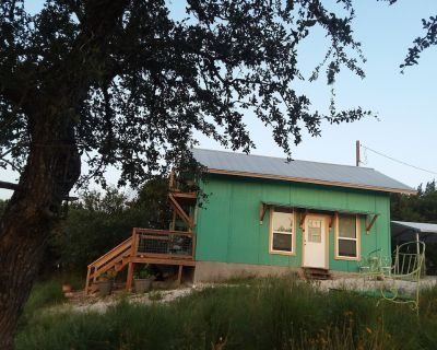Kim's Cottage at Hill Haven Nature Retreat - Bandera