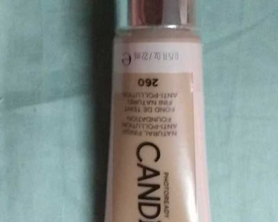 BRAND NEW CANDID 260 FOUNDATION by REVLON