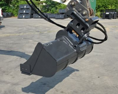 """2014 Bobcat PTX3 POWER TILT WITH 52"""" GRADING BUCKET - XCHANGE ATTACHMENT MOUNTING SYSTEM"""
