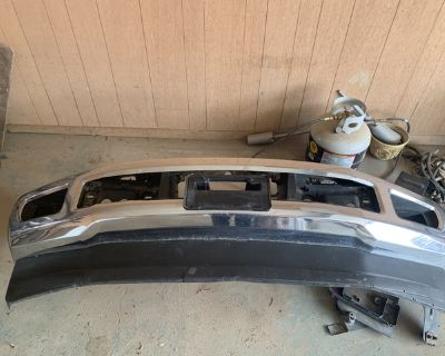 2017 Ford F-250 chrome bumper and tow hooks