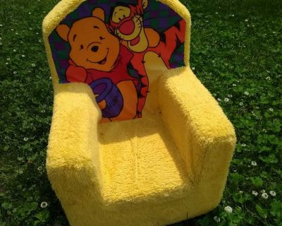 Toddler chair, Pooh and Tigger