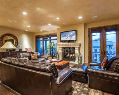 Park City luxury 3 bedroom town house plus garage above Canyons Village