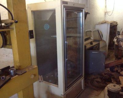 restaurant refrigerator turned into kegerator