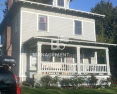 4537 Ne 34th Ave, Portland, OR 97211 3 Bedroom House
