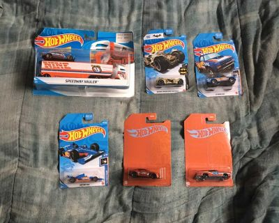 Lot Of 6 Hot Wheels Toys