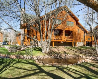 *FREE TRAIN TOURS* 150 yards to Free Shuttle Stop No Car Needed, Nintendo, Shared Hot Tub, Garage - Park City