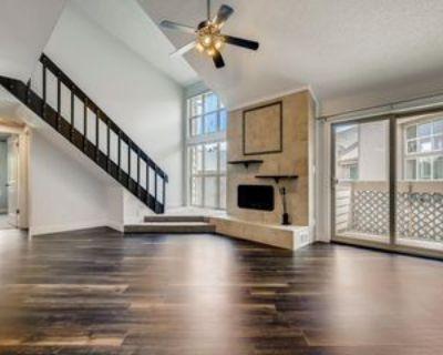 701 Harlan St, Lakewood, CO 80214 3 Bedroom Condo