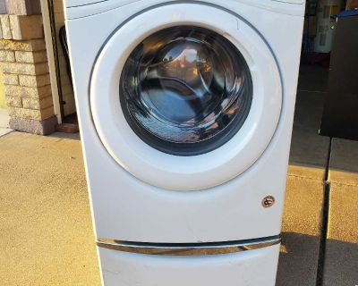 Whirlpool Washer with pedestal drawer