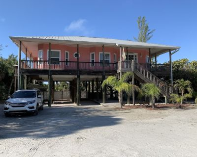 Escape to paradise - Palm Island beach home with private pool! - Palm Island