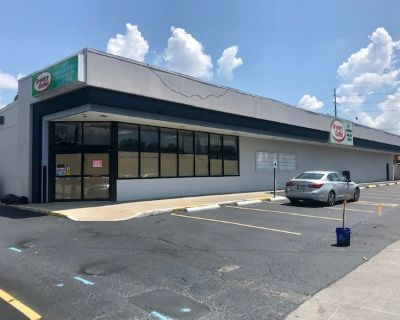 Potential for Grocer or Convenience/Fast Food Venture