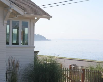 West Seattle Water Front Hideout. Relaxing and Private. Dreamy Beds - Alki