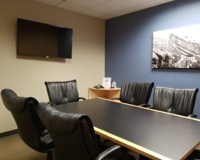 Private Meeting Room for 6-8 People With TV, LAKEWOOD, CO