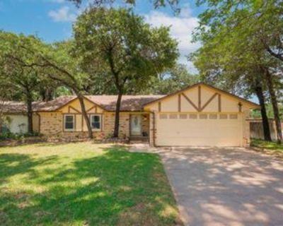 5601 Shady Hill Ln, Arlington, TX 76016 3 Bedroom Apartment