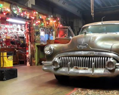 OLD VINTAGE WAREHOUSE, PROPS INCLUDED, Los Angeles, CA